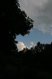 200880107